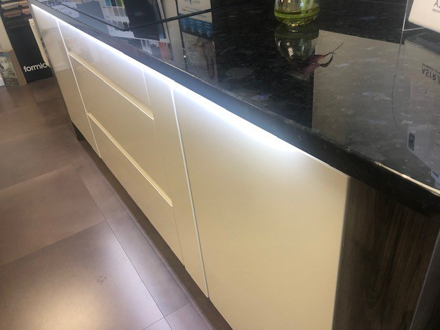 conels solid stone worktop image